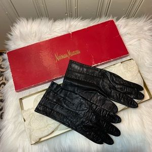 Neiman Marcus vintage leather studded gloves L